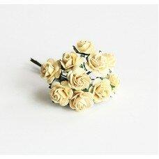 Розы. Цвет светло-желтый